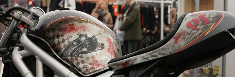Moto pintada con aerógrafo