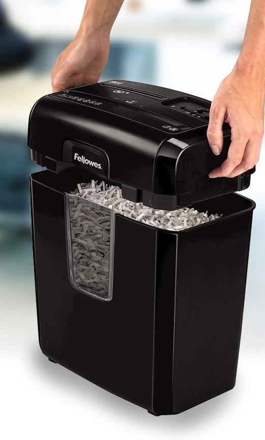 Vaciar la papelera de una trituradora de papel
