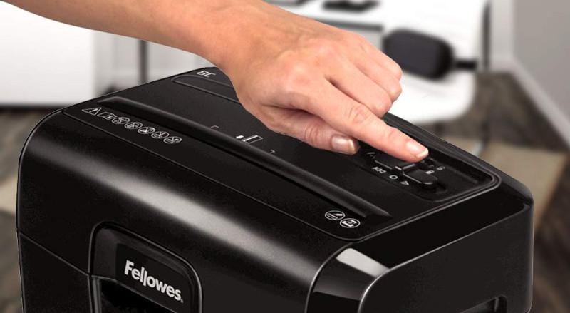 Eliminar atasco en destructora de papel