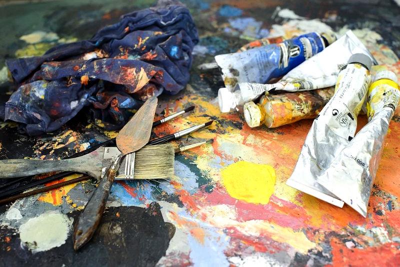 Pinceles, brochas y espátulas de pintor